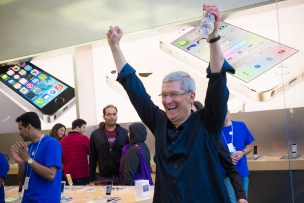 说了两年智能硬件,最火的还是智能手机